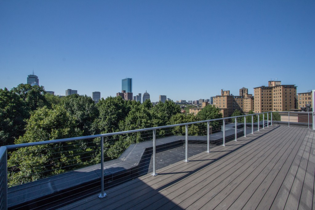 Front Facing Penthouse roofdeck view